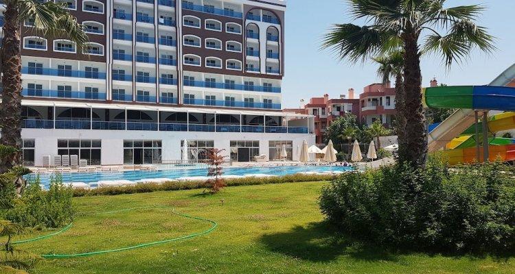 Albahir Deluxe Hotel