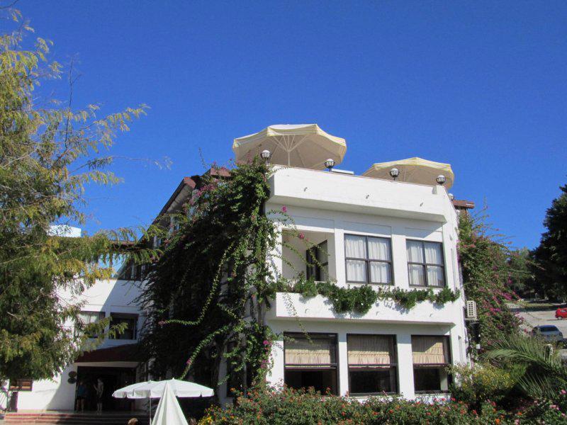 TITAN CLUB HOTEL