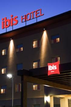 Ibis Como