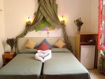 Kiniras Traditional Hotel & Restaurant