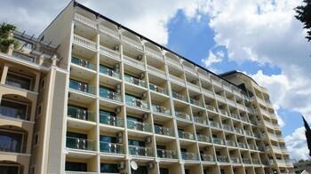 Menada Planeta Apartments