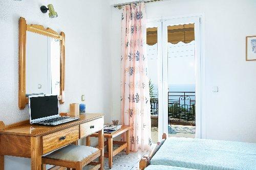Lichnos Bay Village Hotel