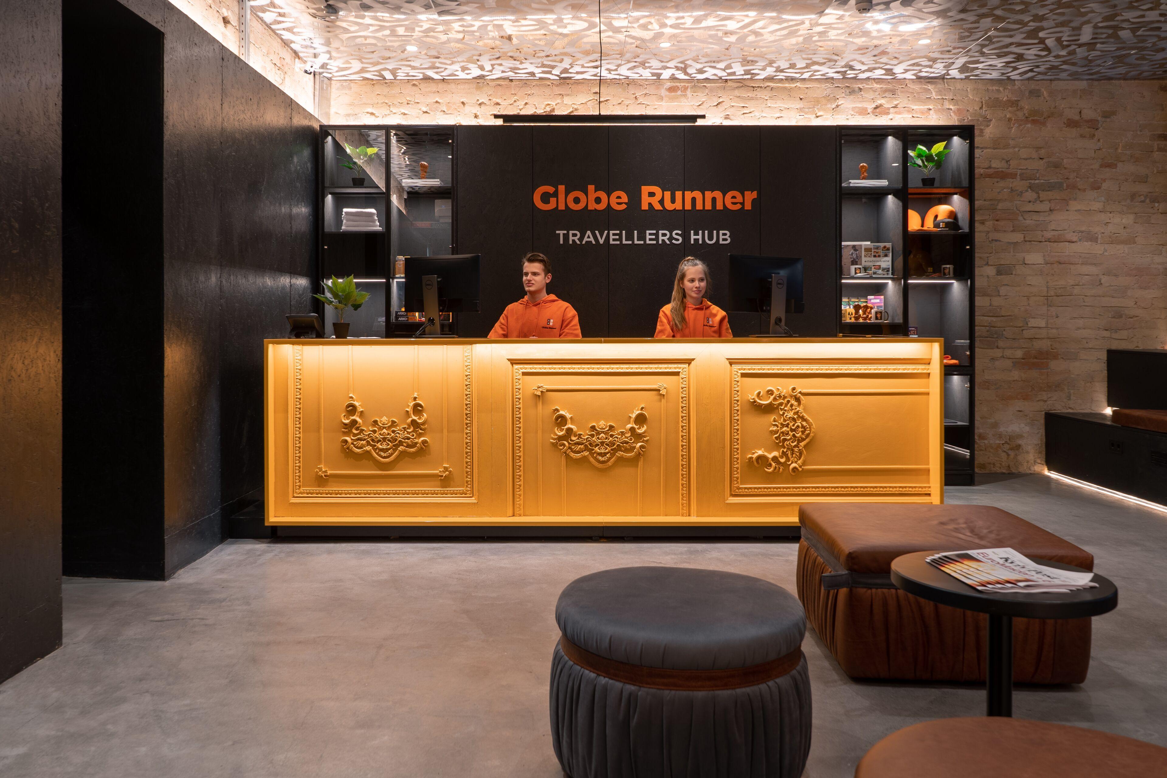 Globe Runner Hotel And Hostel