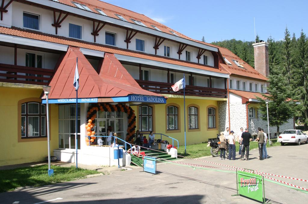 Hotel Iadolina - Oferta Rusalii
