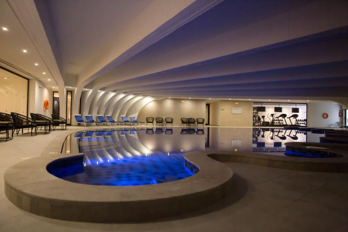 Hotel The Pearl 5*