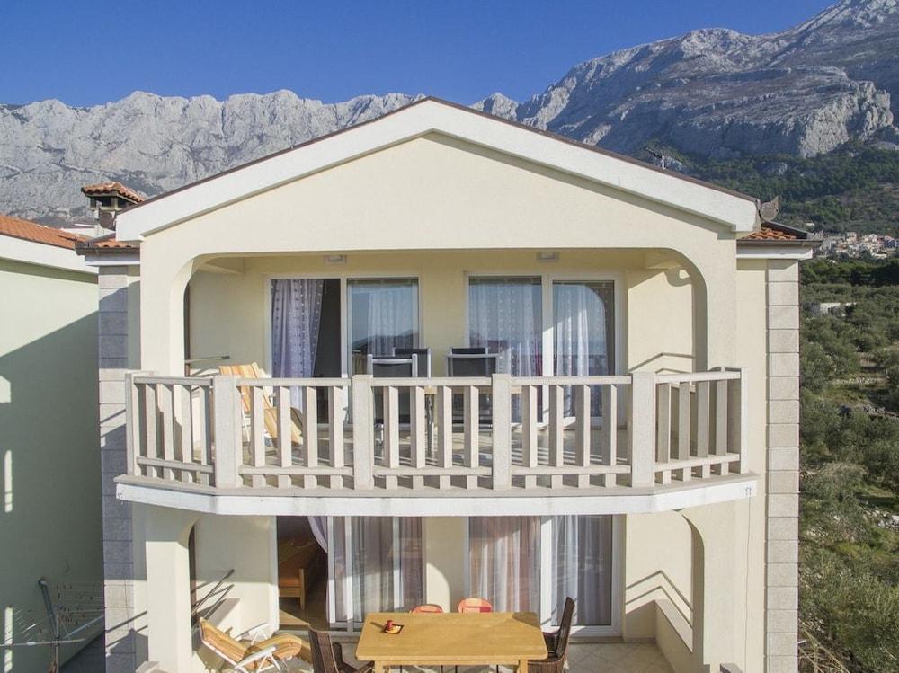 Apartment Almera N8