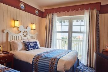 Disney's Newport Bay Club