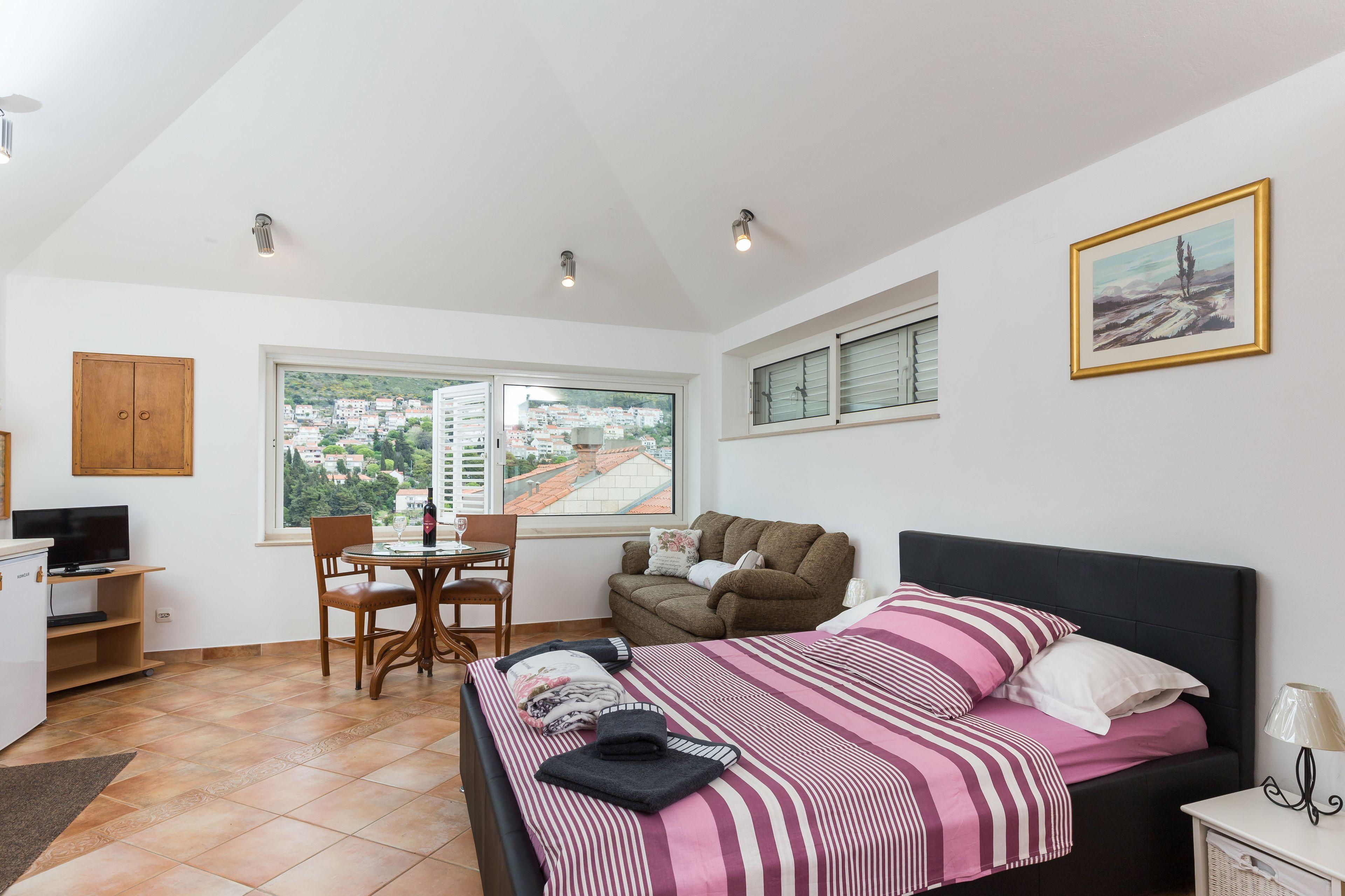 Apartments Dia