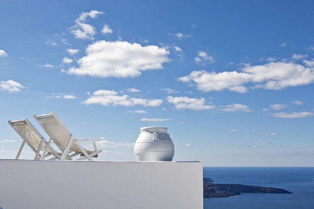 Cliffside Suites (Firostefani - Santorini)