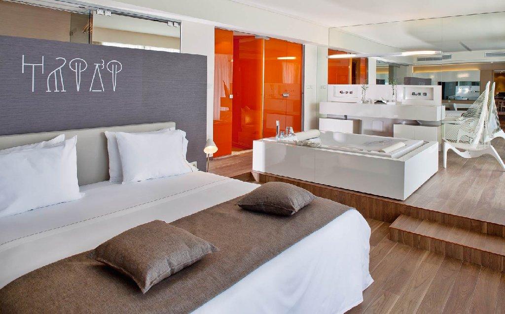 AVRA IMPERIAL HOTEL
