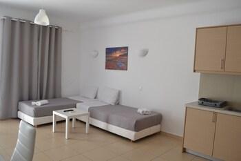 Oniropetra Apartaments