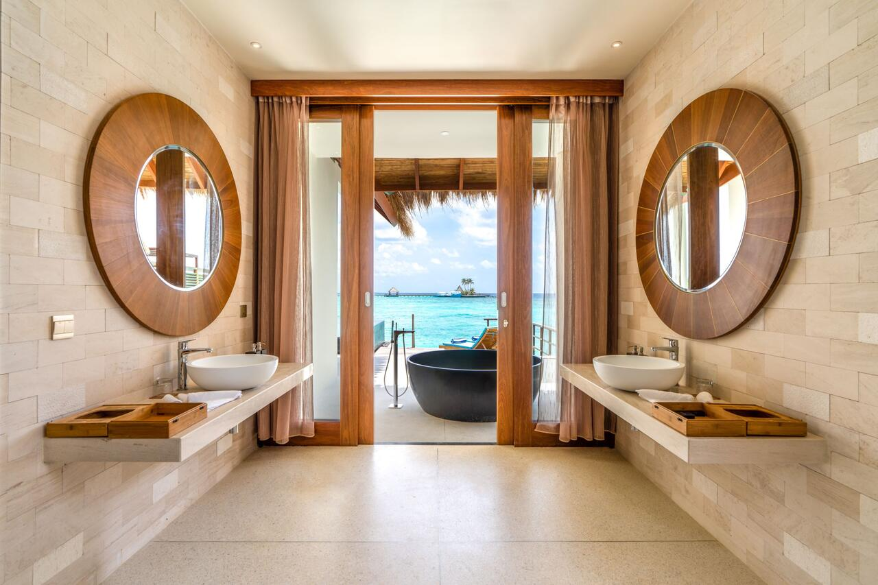 Furaveri Island Resort & Spa