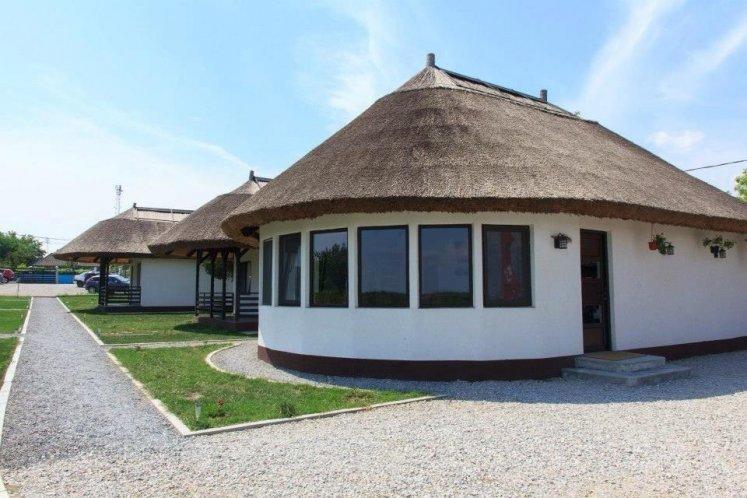 Casa patru anotimpuri ( Dunavatu de Jos)