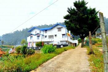 Yoho Pedro Resort