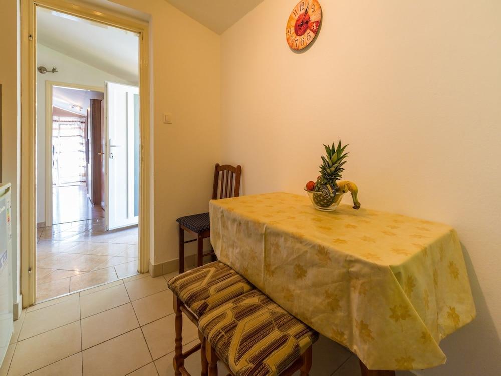 Apartments Adrasteja