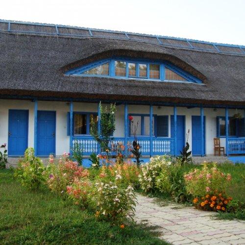 Casa dintre Salcii - Uzlina