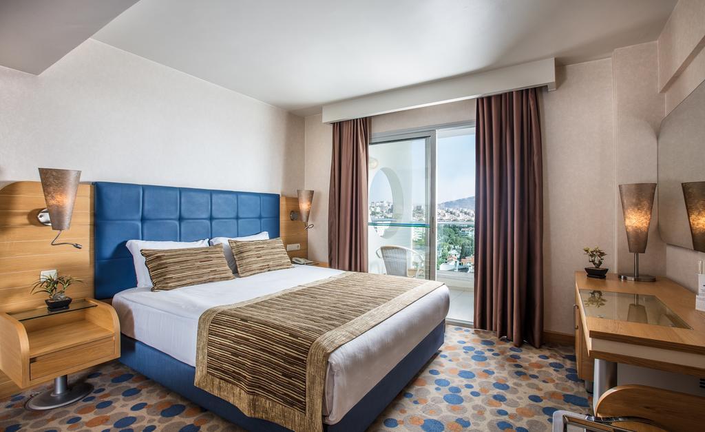 MARINA HOTEL
