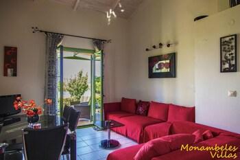 Monambeles Villas