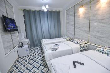 Dream White Hotel