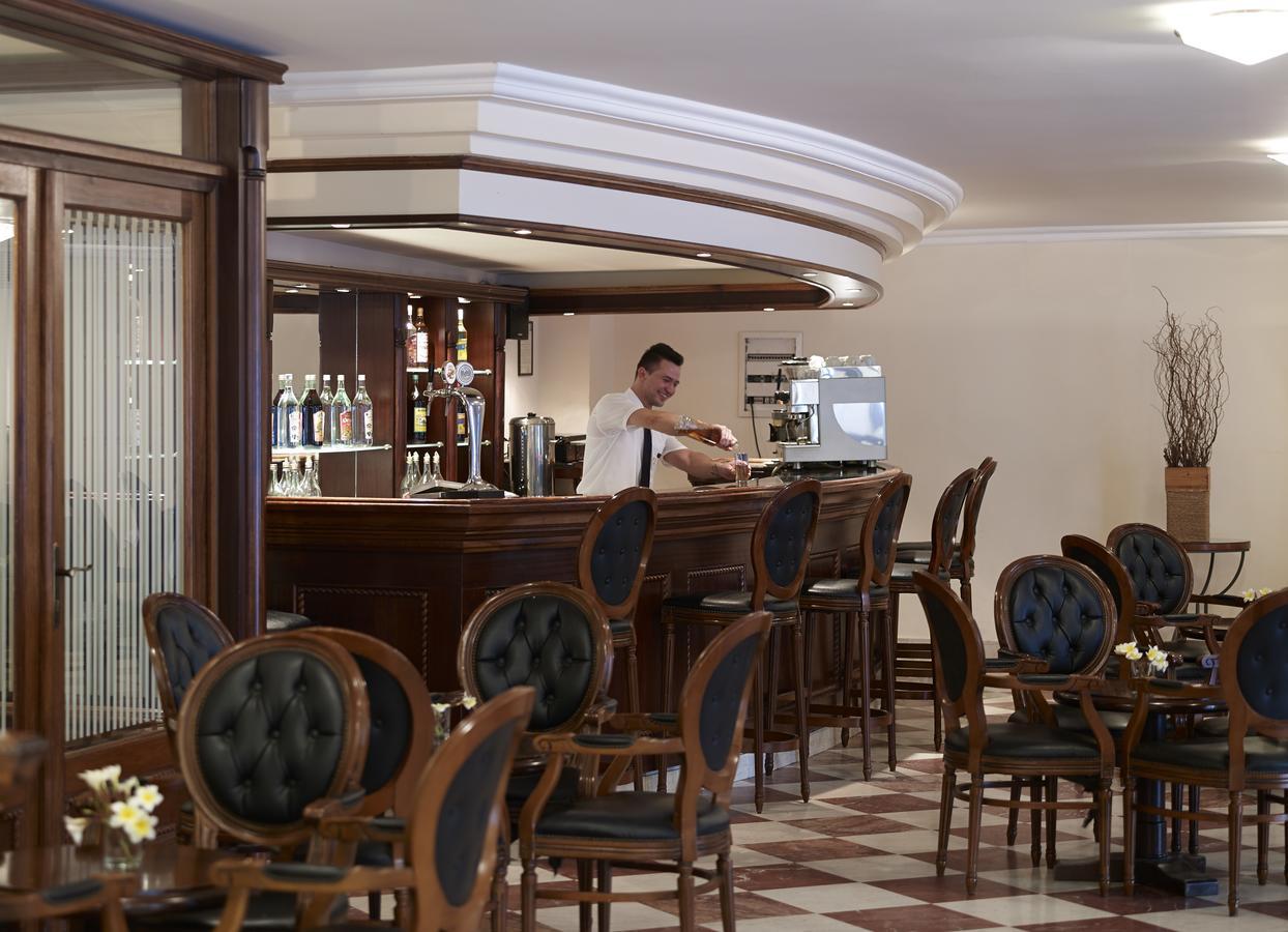 Mitsis Petit Palais Hotel