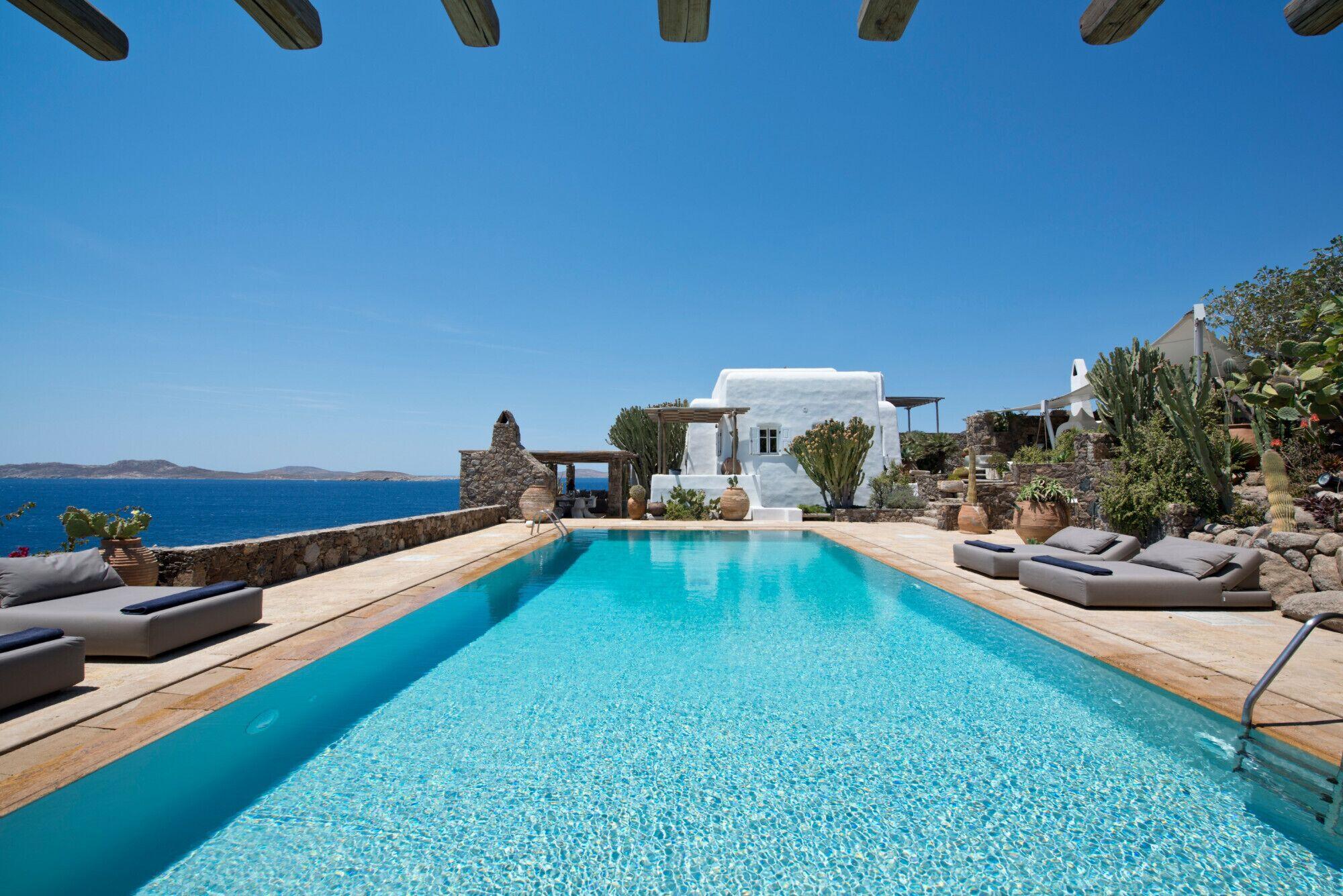 Villa St Johns Retreat 7 Bedroom Villa In Saint John With Private Pool
