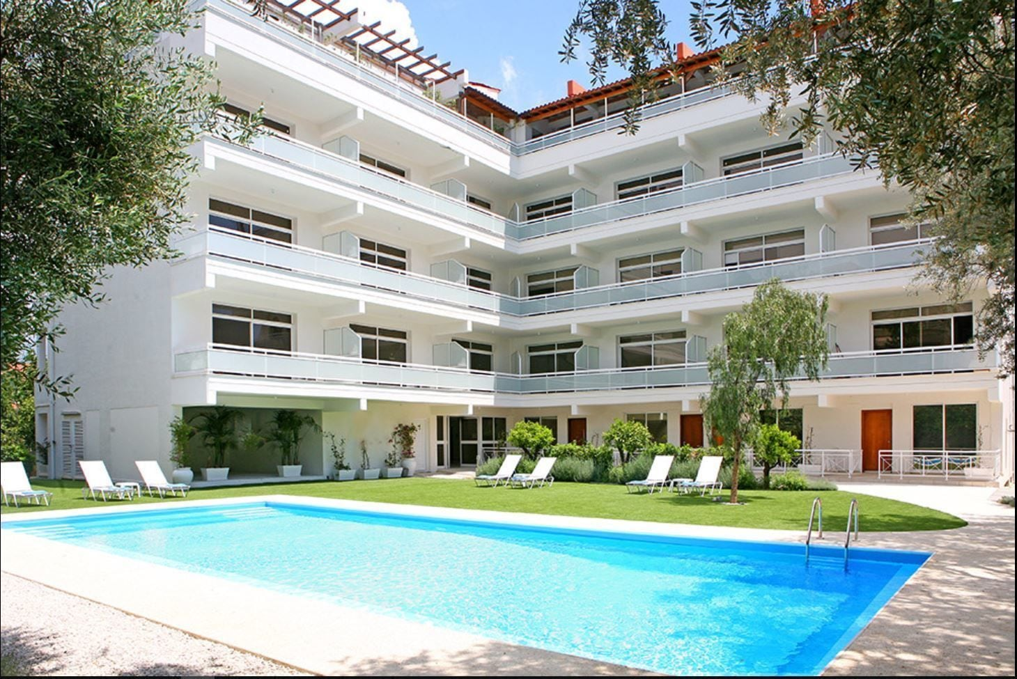 Corina Suites And Apartments
