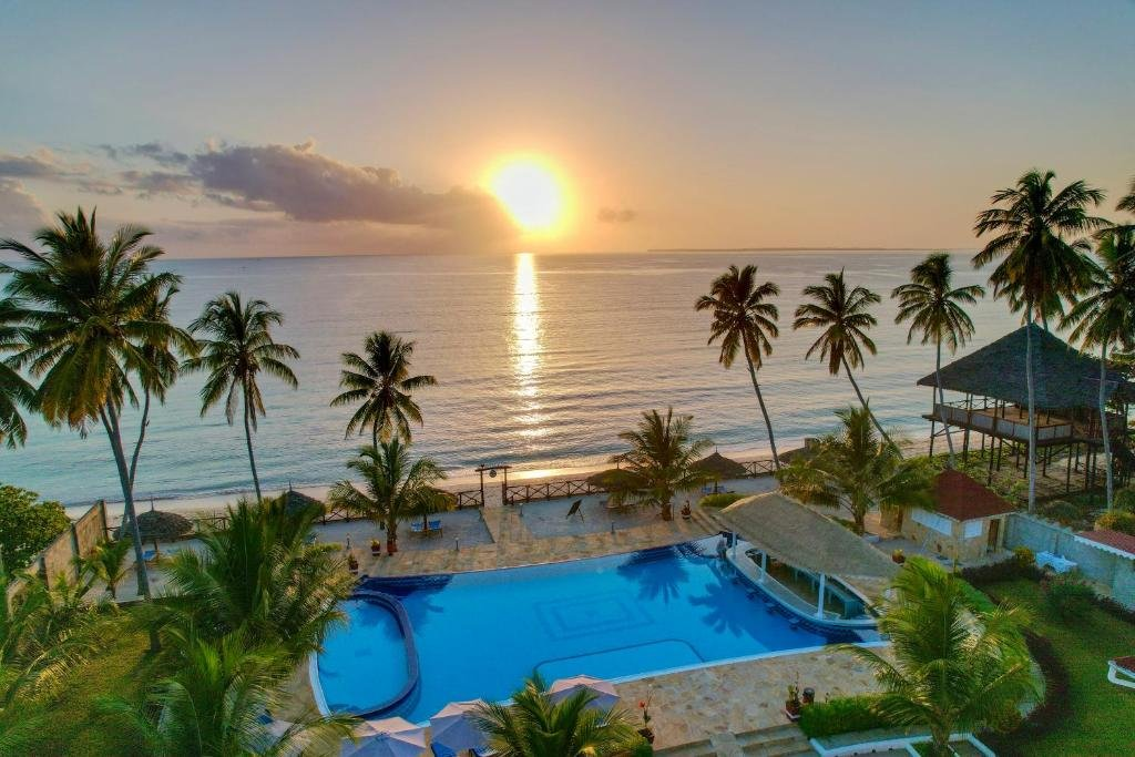 SUNNY PALMS BEACH RESORT (UROA)