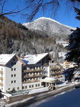 Hotel Apartments Wellness Villa di Bosco