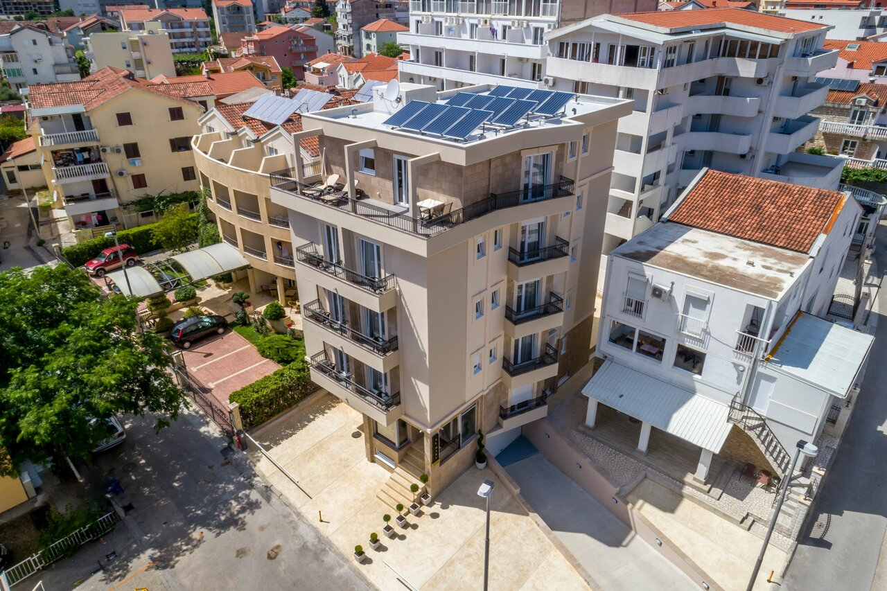 Almare Apartments