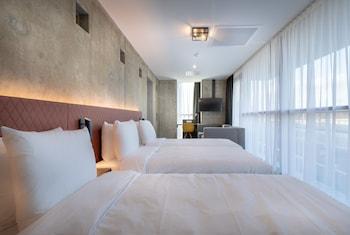Hotel New Kit