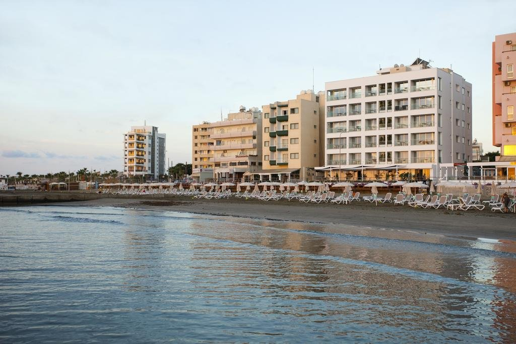 Constantiana Beach Apartments