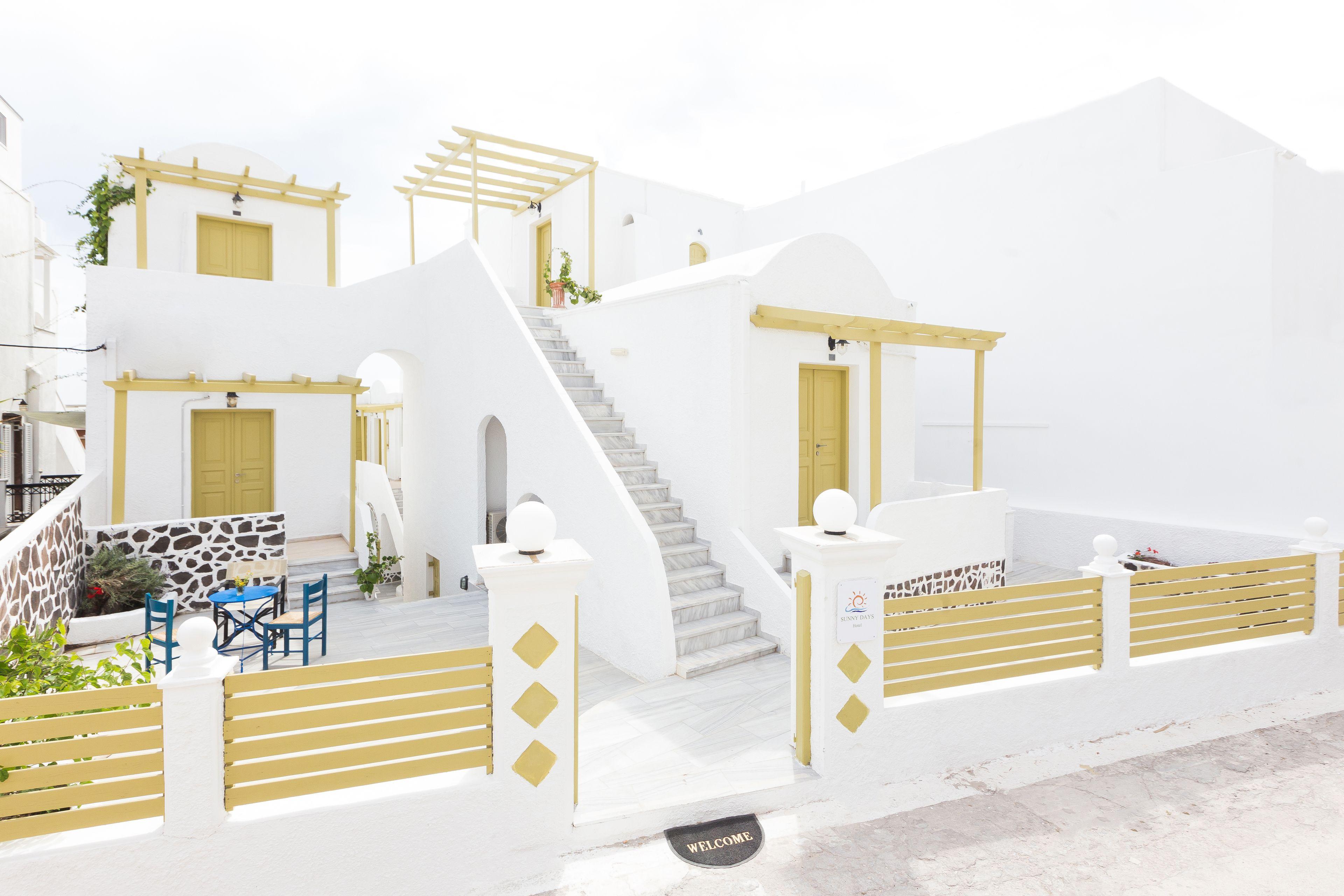Sunny Days Fira Santorini