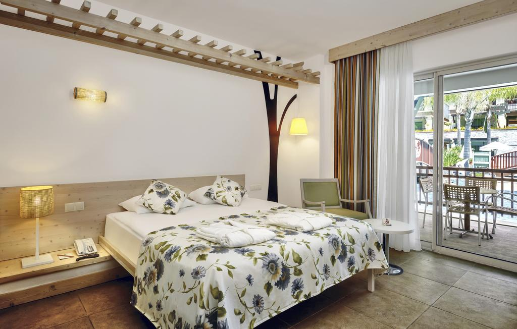 SUNIS KUMKOY BEACH RESORT HOTEL AND SPA