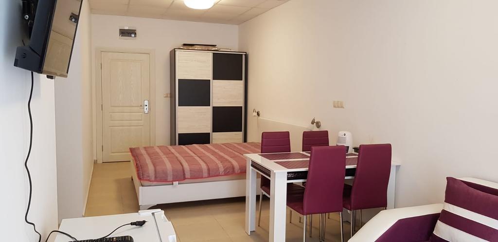 TARSIS HOTEL