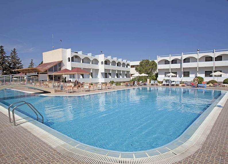 Evi Hotel