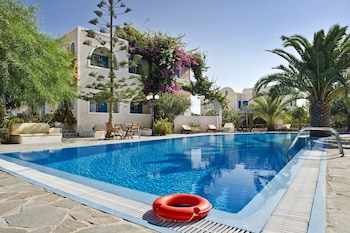 Paradise Resort Santorini