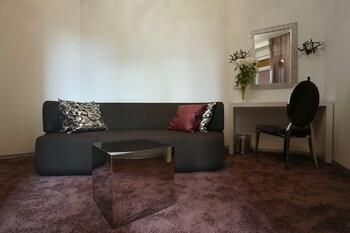 Starlight Luxury Rooms