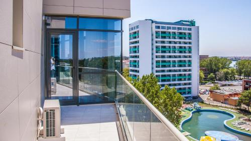 Riviera Residence Apartments