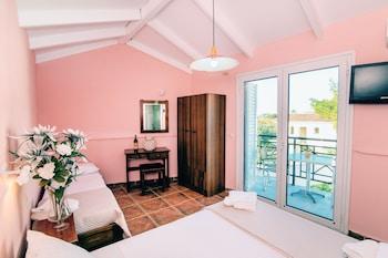 Must Hotel