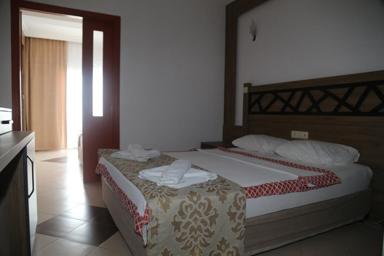 ISTANBUL BEACH HOTEL (EX.BLAUHIMMEL)