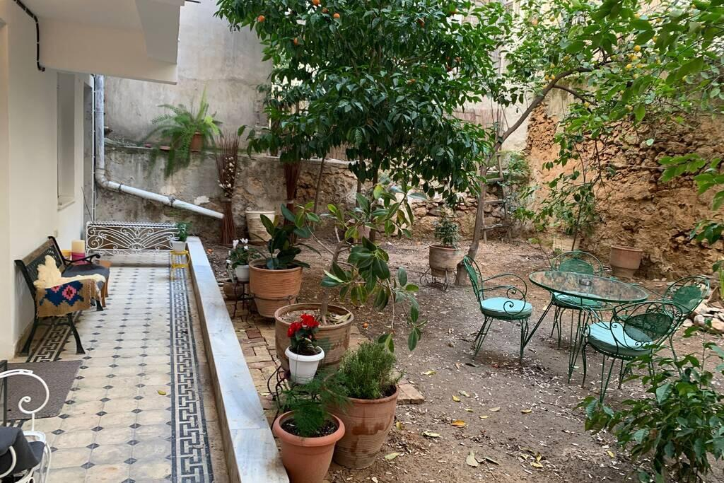 Quiet + Central Flat With Private Backyard Garden