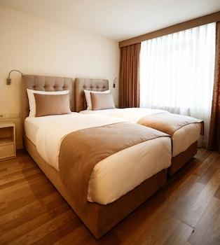Melek Hotels Moda