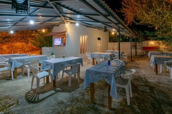 Studios Keri Kostas-kleopatra