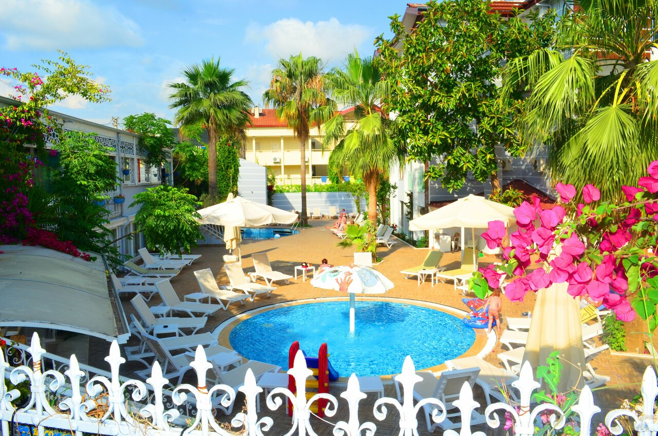 Sunbird Apart Hotel