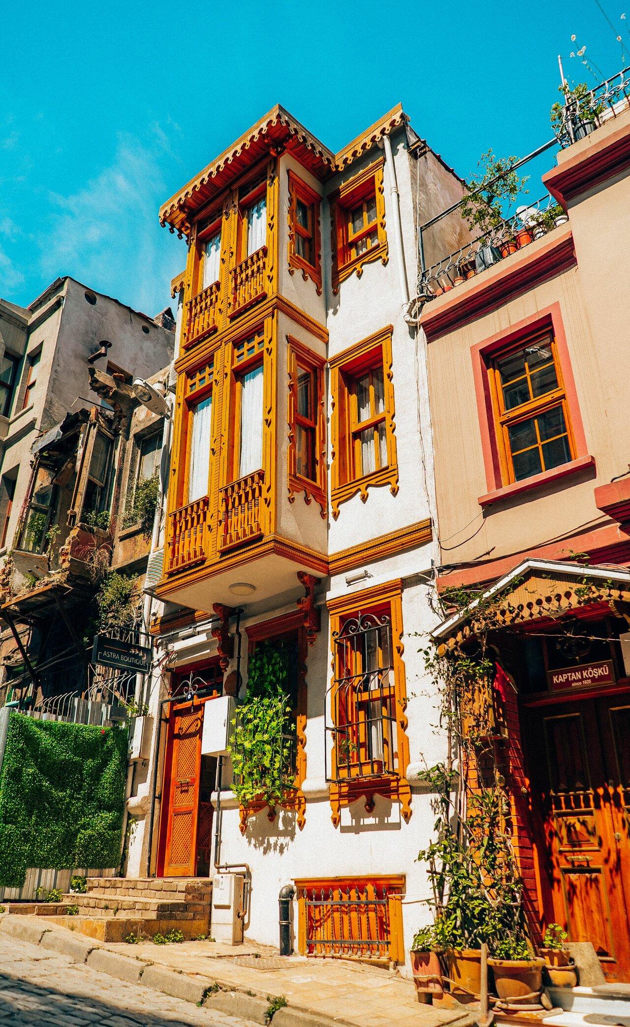 Nik's Taksim