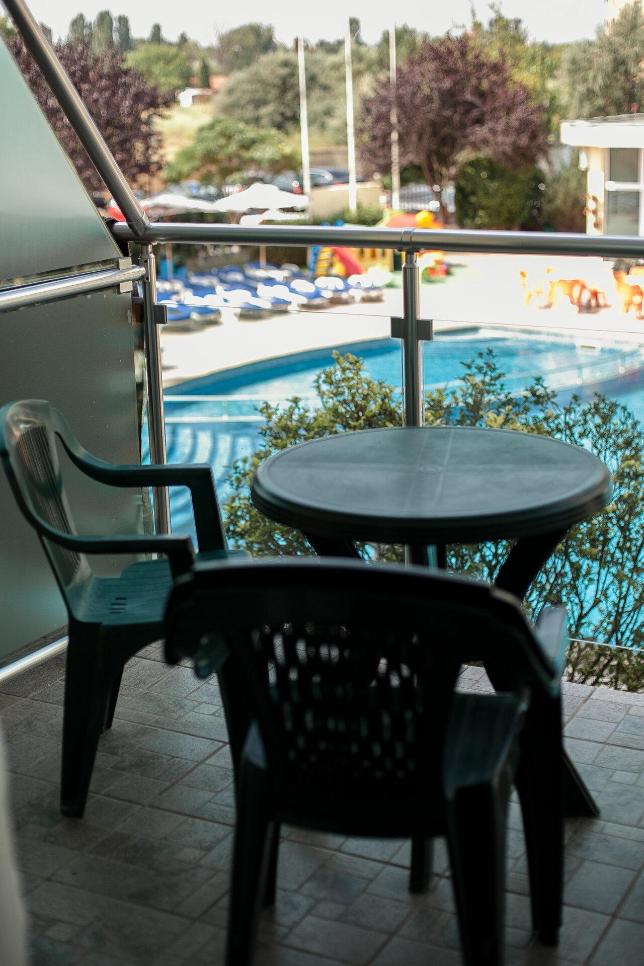 Sunny Holiday Aparthotel