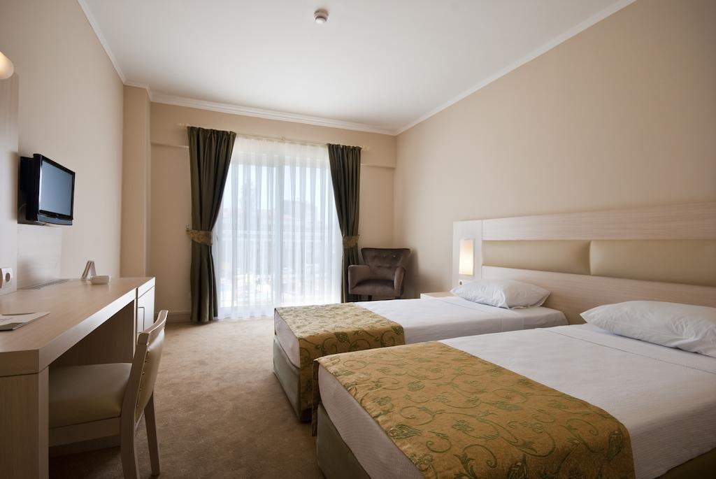MG HOTELS WHITE LILYUM HOTEL