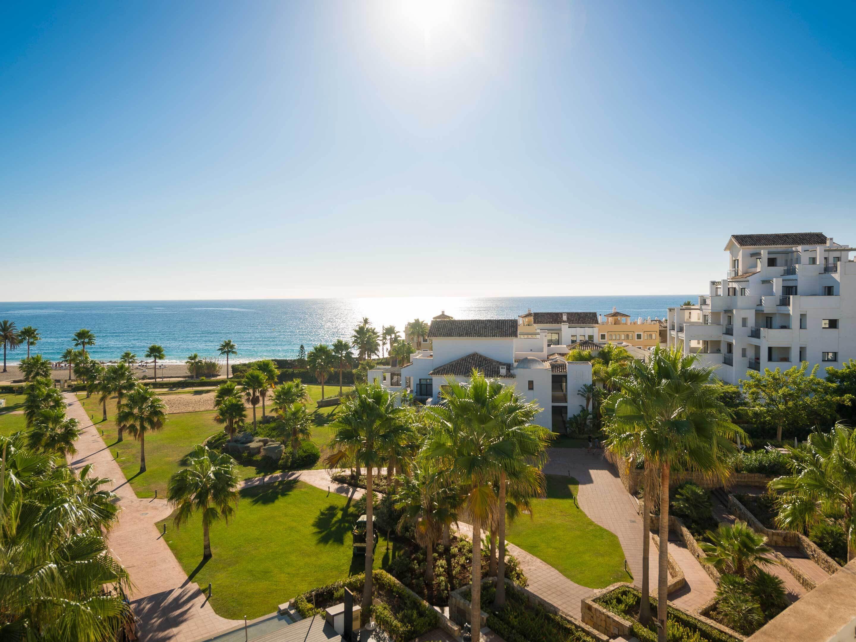Fuerte Estepona Hotel & Apartments