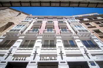 Petit Palace Plaza De La Reina