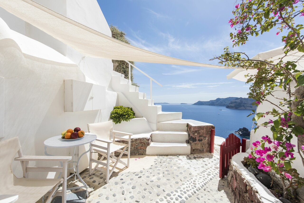 White Cave Villa By Caldera Houses